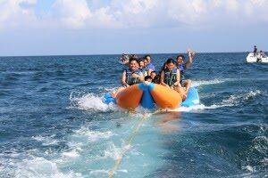 lnsi-boracay-banana-boating-experience
